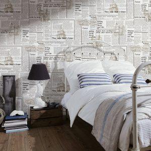 Wallpaper kamar dengan koran bekas